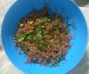 Preparing Som Tam Thai Green Papaya Salad