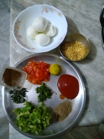How To Make An Amazing Egg Salad / Chaat