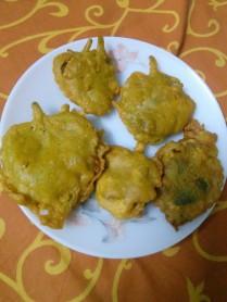 Carom Leaves Fritters / Ajwain ke Pakode