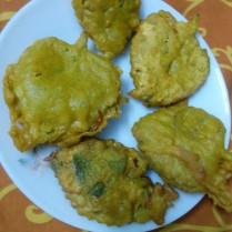 Ajwain Ke Pakode / Carrom Leaves Fritters