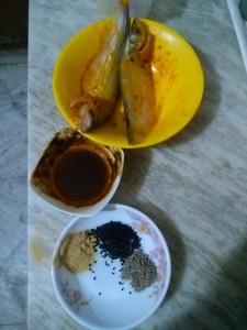 Ingredients for Tangra Jhol / Tangra Fish Curry