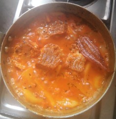 Preparing Rui Macher Kalia / Rohu Fish Curry