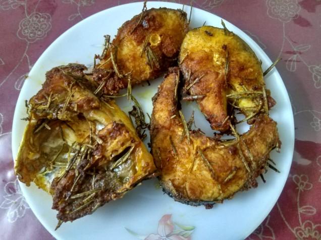Pan Fried Fish in Rosemary Seasoning